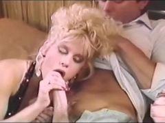 Blondă, Antică, Vechi, Star porno, Ţâţe mici, Iepure, Retro, Bidoane, Virgin, Felaţie